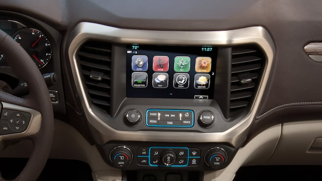 2019 Acadia Denali's GMC Infotainment system with 8-inch diagonal colour touch-screen and navigation.