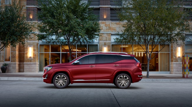 Side exterior profile of the 2019 GMC Terrain Denali.