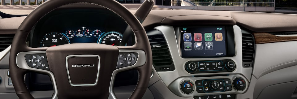 The high-definition 8-inch diagonal colour touch-screen with GMC Infotainment System in the 2019 Yukon Denali.