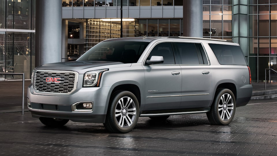 Side exterior view of the 2019 Yukon Denali.