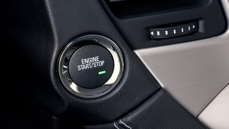 The start/stop push-button available in the 2019 GMC Yukon.
