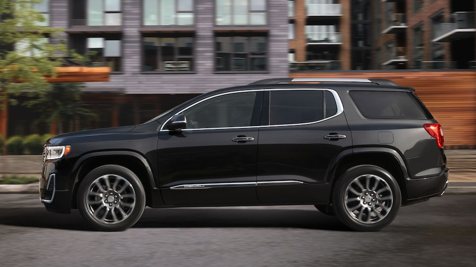 2020 GMC Acadia Denali Luxury SUV: Profile View.