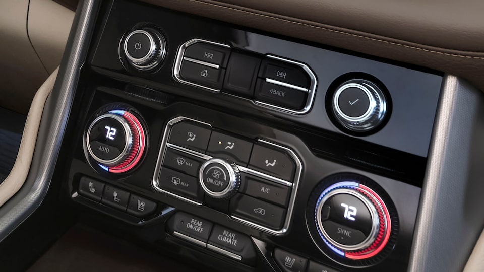 2021 GMC Yukon controls.