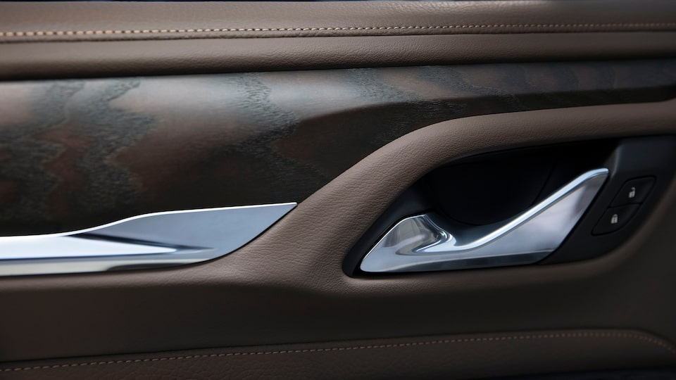 2021 GMC Yukon interior wood detail.