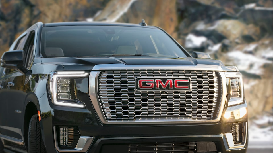 2021 GMC Yukon Denali features: exterior.