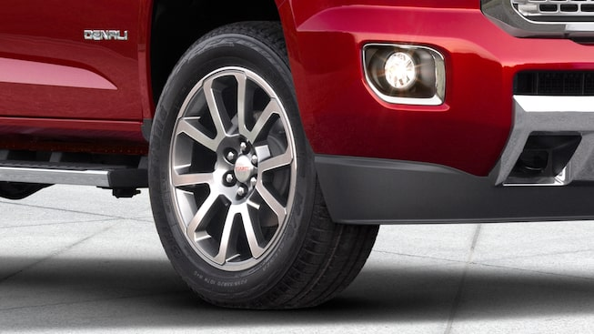 2019 Canyon Denali's 20-inch ultra-bright machined aluminum wheels.