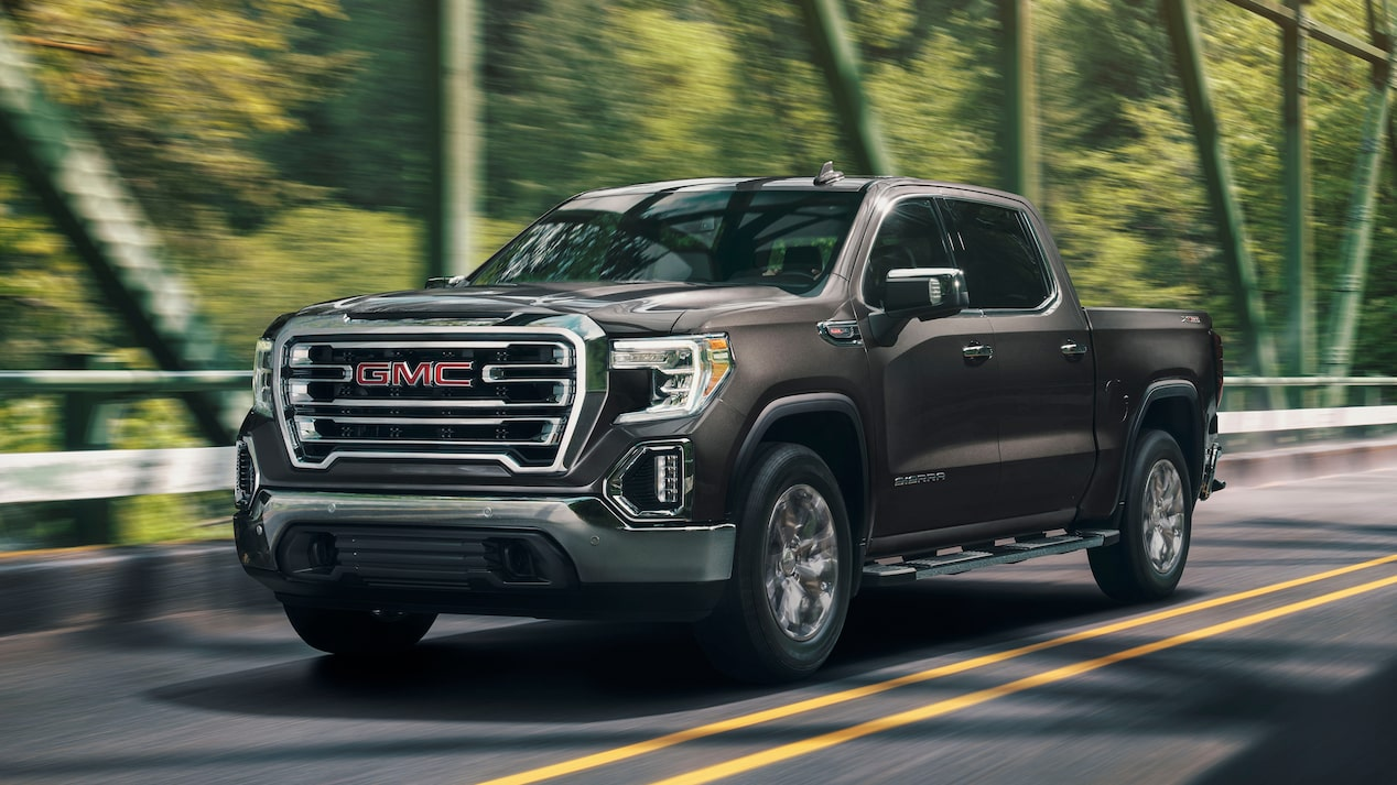 Exterior of the 2019 GMC 1500 SLT.