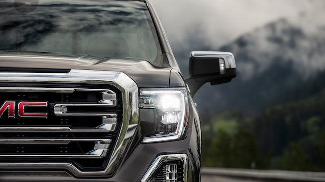 2019 Sierra 1500's available app integrated Trailer Light Sequence Test.