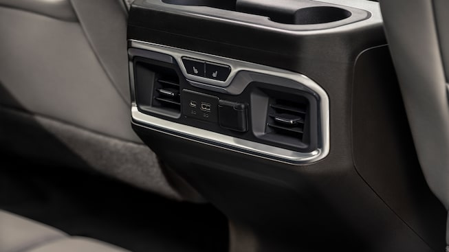 Connectivity of the GMC Sierra 1500 with up to six USB ports.