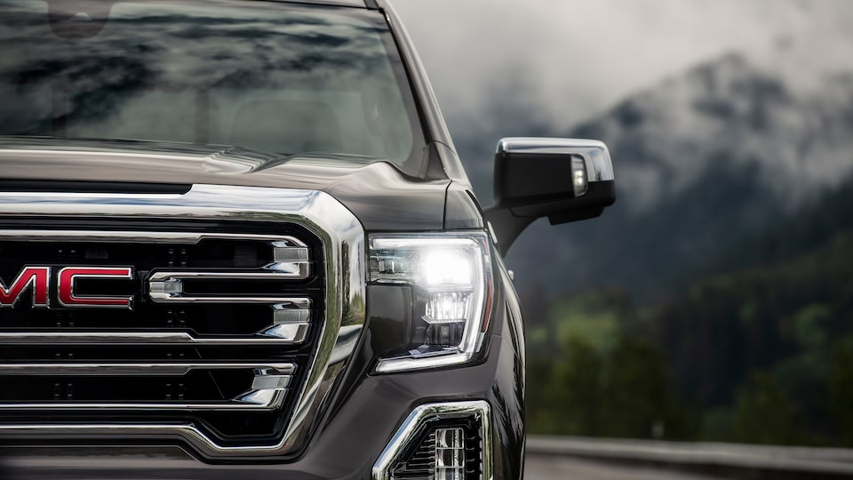 The all-new 2019 Sierra 1500's boldly reshaped grille.