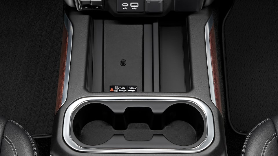 2020 GMC Sierra 1500 Wireless Charging & Cup Holder.