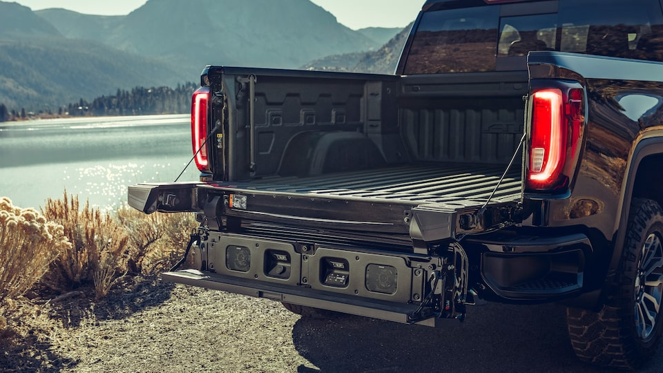 2020 Sierra 1500 Pickup Truck: Kicker Audio System Integrated Into The  Tailgate.