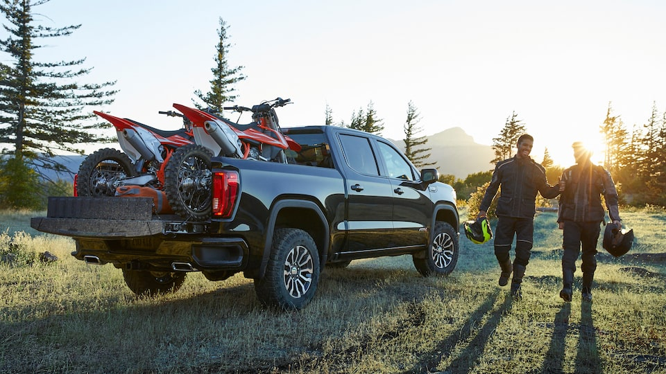 2020 GMC Sierra 1500 AT4 Pickup Truck: Carbon Pro Bed.
