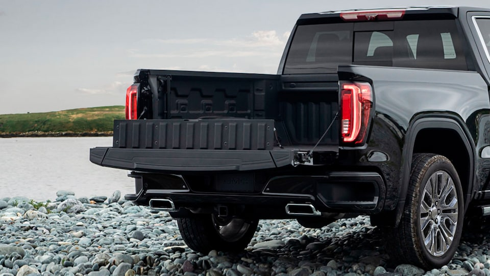 2020 GMC Sierra 1500 Denali Light-Duty Pickup Truck Carbonpro Cargo Bed.