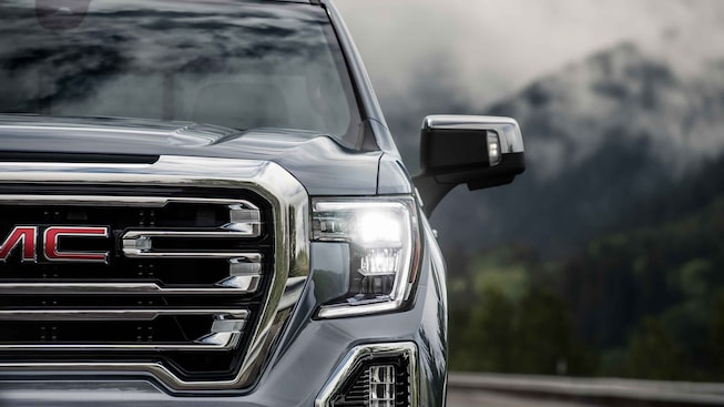 2021 GMC Sierra 1500 grille and headlamps.