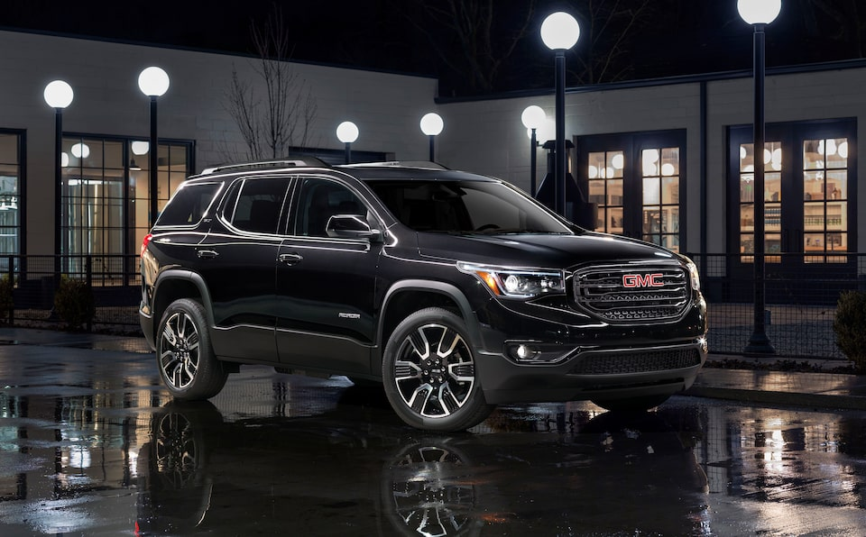 Right side profile of the Special Edition 2019 GMC Acadia All-Terrain.