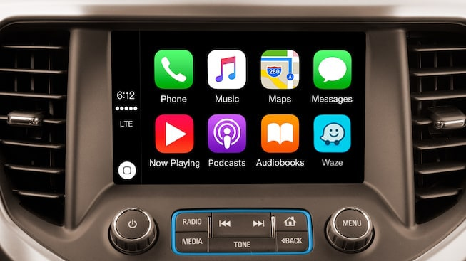 The 2019 Acadia features Apple CarPlay compatibility.