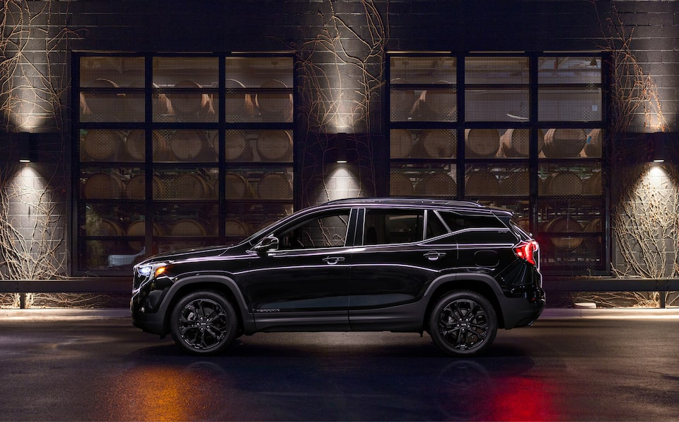 2020 GMC Terrain Mov Special Elevation Edition Side View Night.