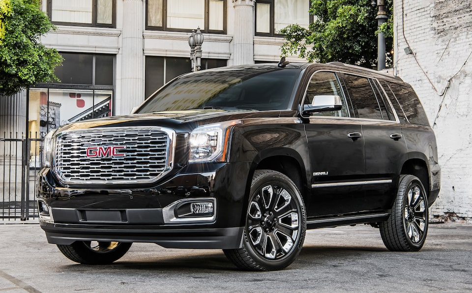 2020 GMC Yukon Denali Ultimate Black Edition Full Size SUV Front Angle View.