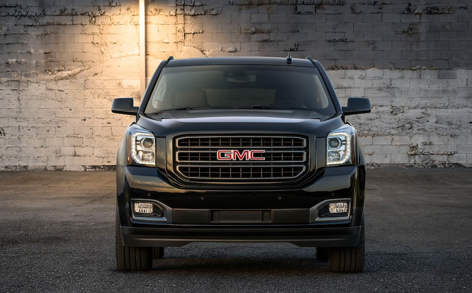 2020 GMC Yukon Full Size SUV Special Edition Graphite Front View.