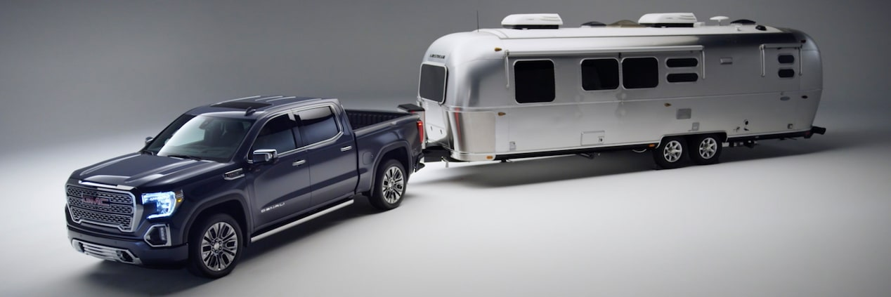 2019 Sierra 1500 Model connected to a trailer.