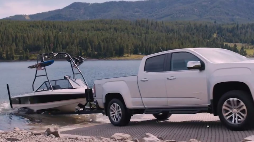 2020 GMC Canyon Mid-Size Pickup Truck Trailer Sway.