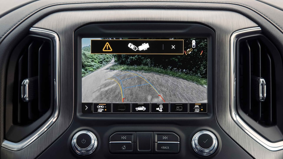 2021 Sierra HD trailering camera: camera on the road.